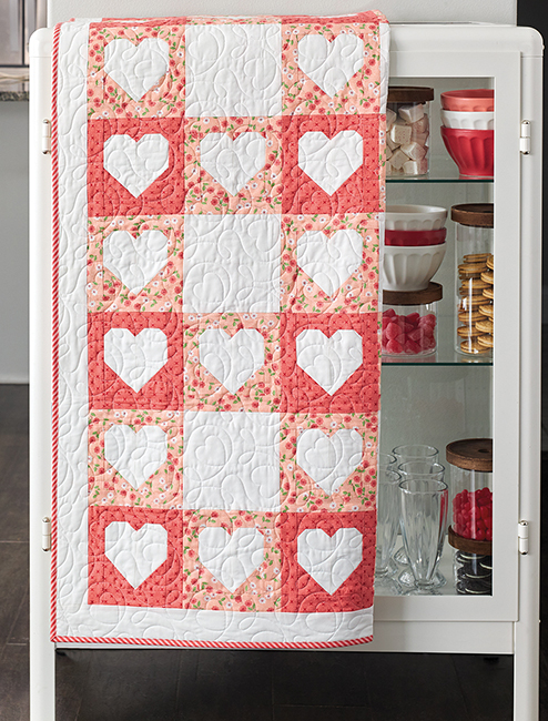 B1528, Checks Mix Quilts - Get the Gingham Look You Love with 8 Easy-to-Piece Patterns